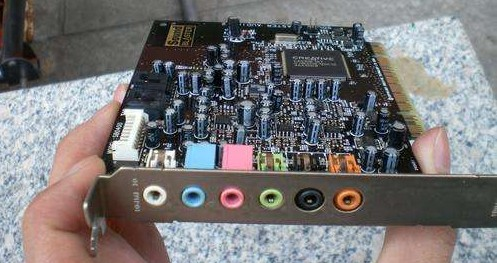 f-声卡换一个插槽