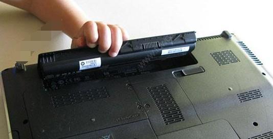 注意事项3:不要经常将电池卸下!